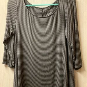 American Eagle legging shirt